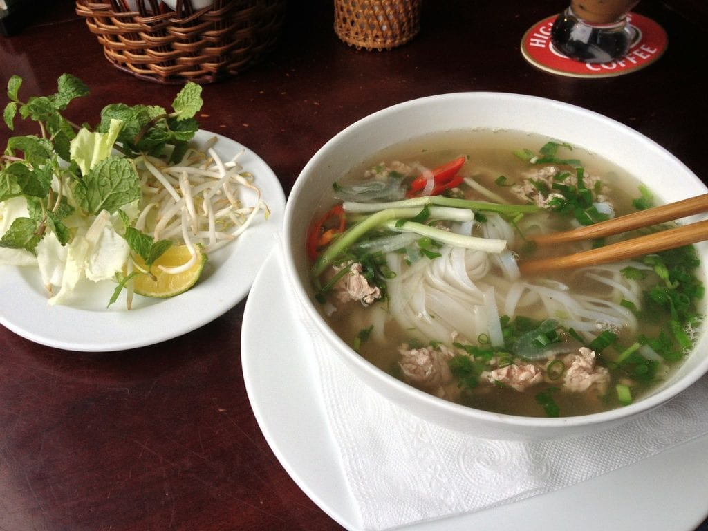 vietnam pho, backpacking southeast asia food
