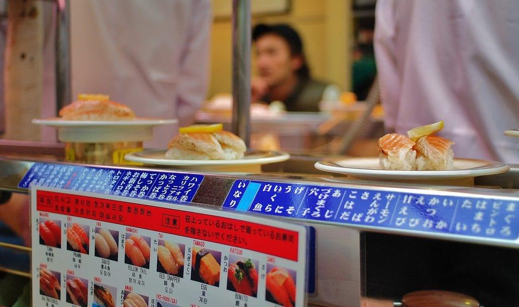 kaiten, sushi, conveyorbelt, travel, japan, budget, affordable