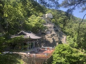 Stay in a temple on budget South Korea tour