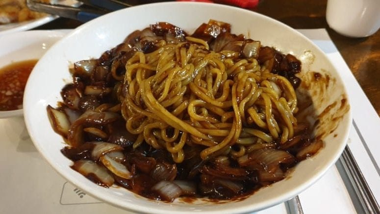 korean food jjajangmyeon